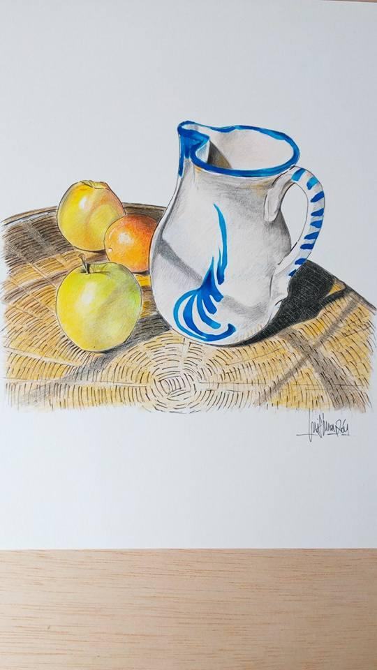 jarra y manzanas